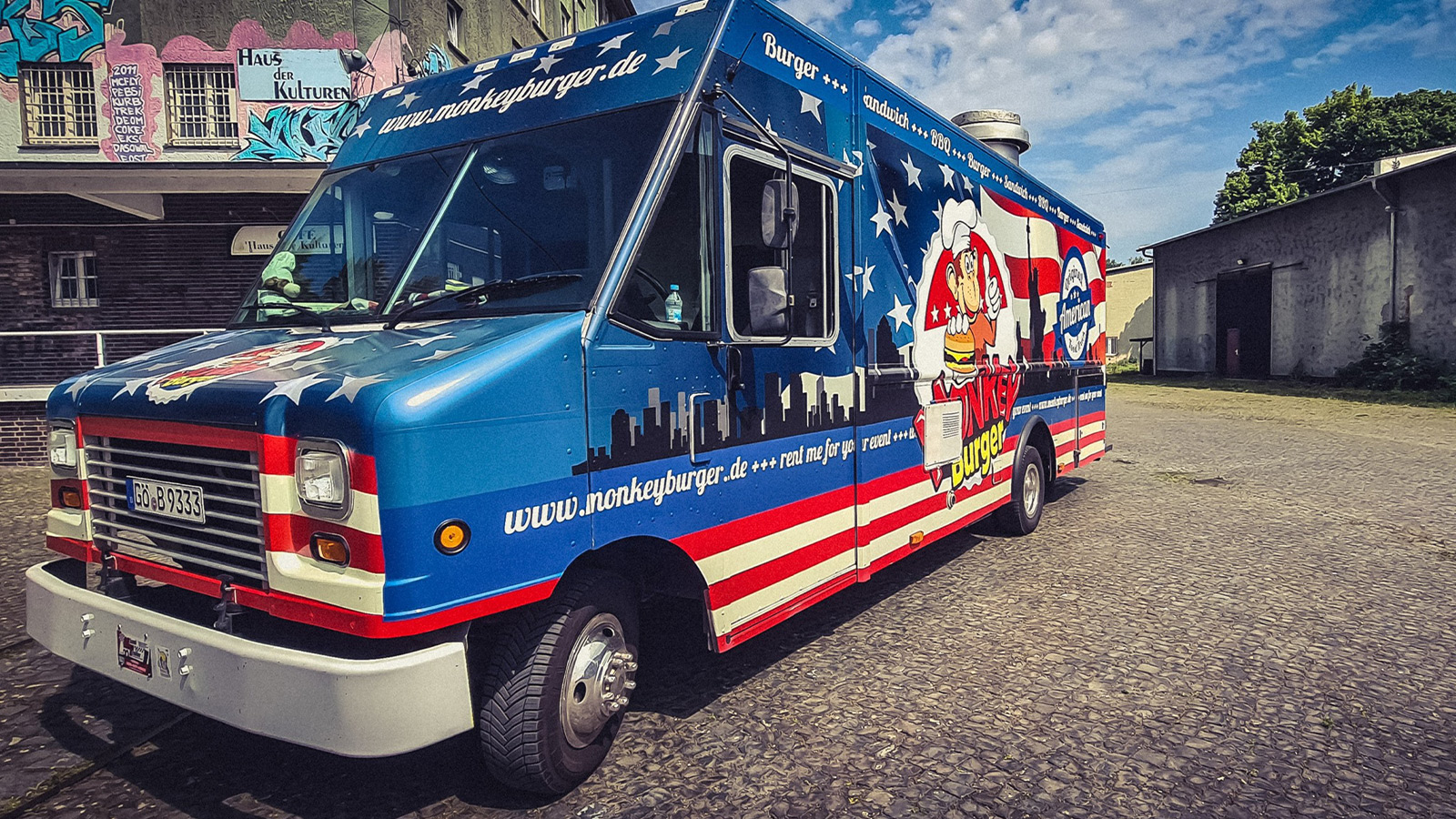 Der Monkey Burger Food Truck bringt Geburtstagsburger